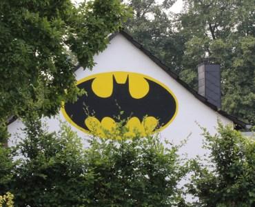 7e2f6c6eff4d457aad24bee73599d767 - Batman revient sur le devant de la scène dans un trailer