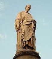 Denkmal des Philosophen Plinius