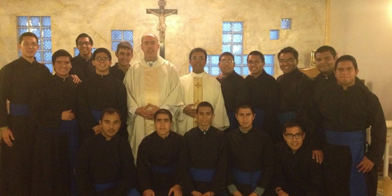 Consagración de seminaristas a la Virgen