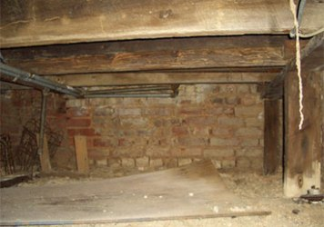 Crawl Space Problems - Dirt Crawl Space