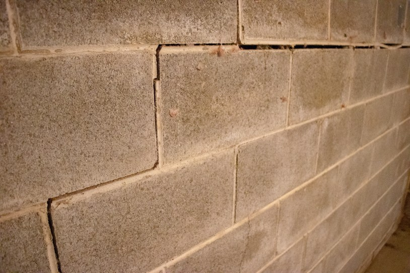 wall crack and bowing walls