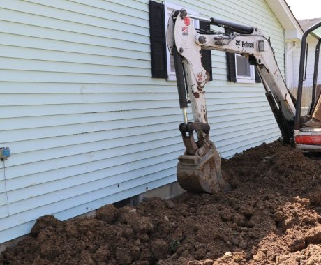 5 Tips to Improve Drainage Around Your  Foundation