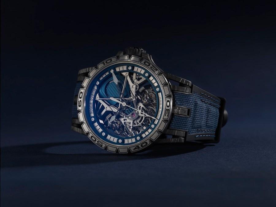 Roger Dubuis Excalibur Aventador S parée de l'iconique bleu Bucherer