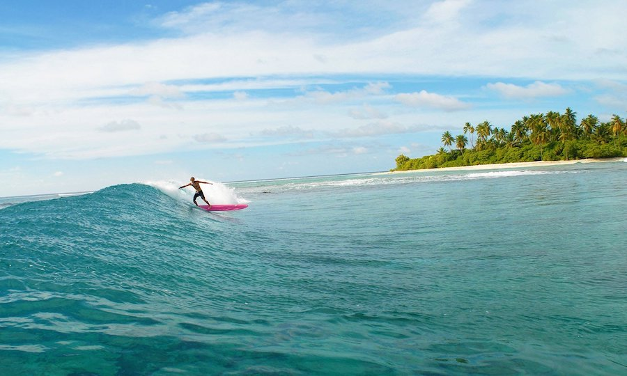 Lancement du programme Surf Pass de COMO Maalifushi x Tropicsurf