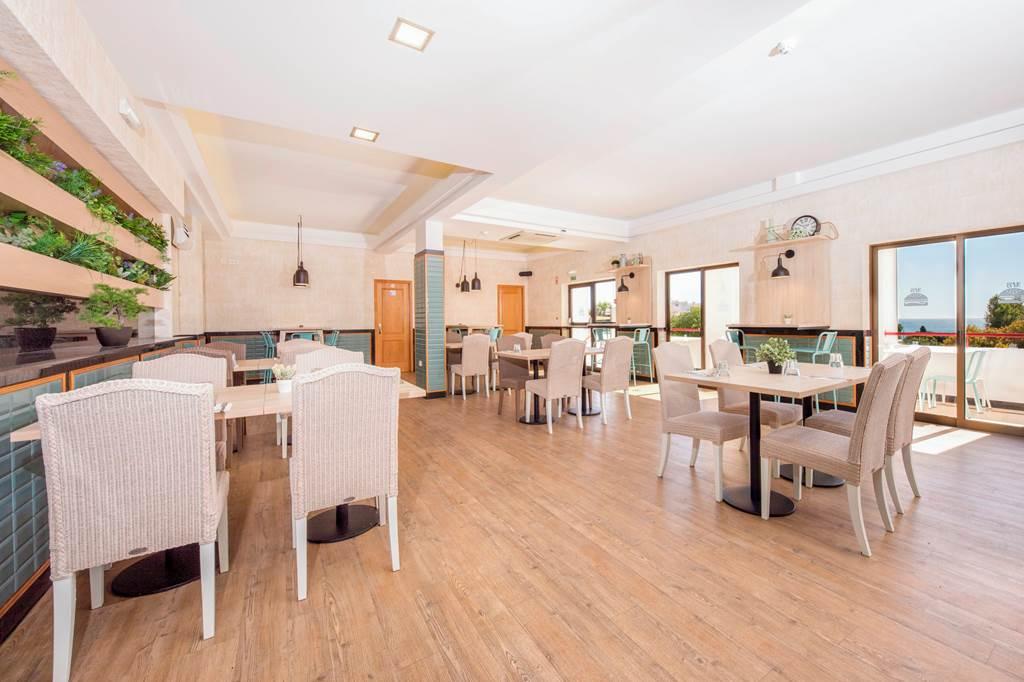 Be Smart Terrace Algarve Armacao De Pera Hotels Jet2holidays
