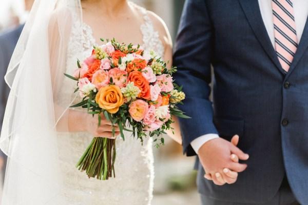 bouquet de mariée corail orange pêche