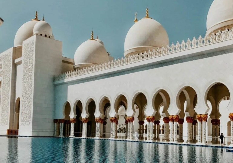 ONE COMPLETELY AWESOME ABU DHABI DAY TRIP FROM DUBI GUIDE