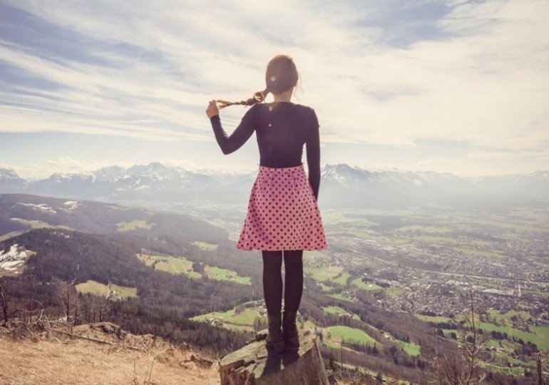 A COLLECTION OF AWESOME TRAVELING ALONE QUOTES
