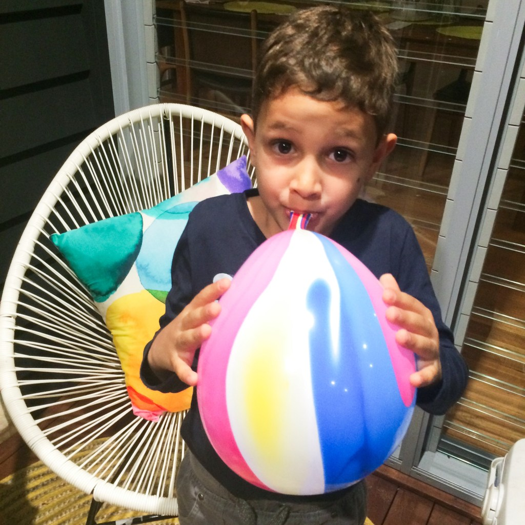 Take the party with you – ILLOOM Light Up Balloons