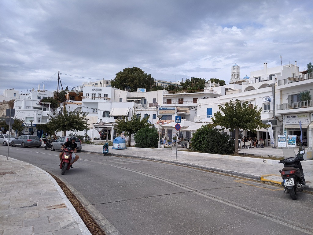 the-best-place-to-stay-on-milos-greece