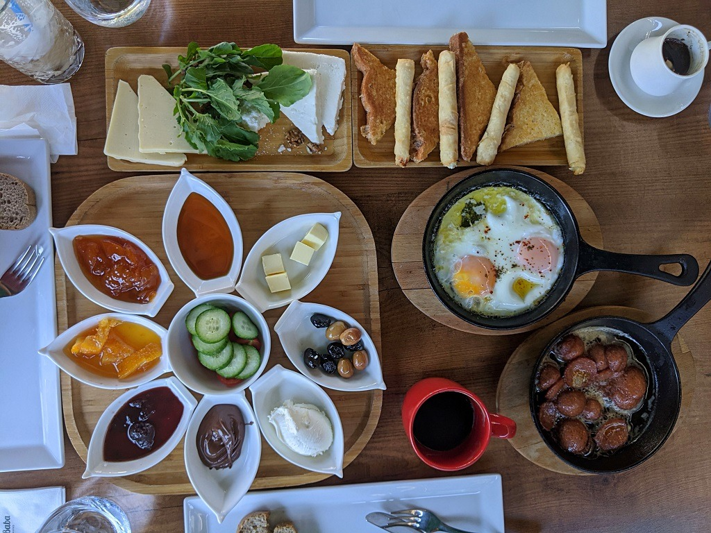 Where To Eat In Kas: Noel Baba Cafe & Bistro