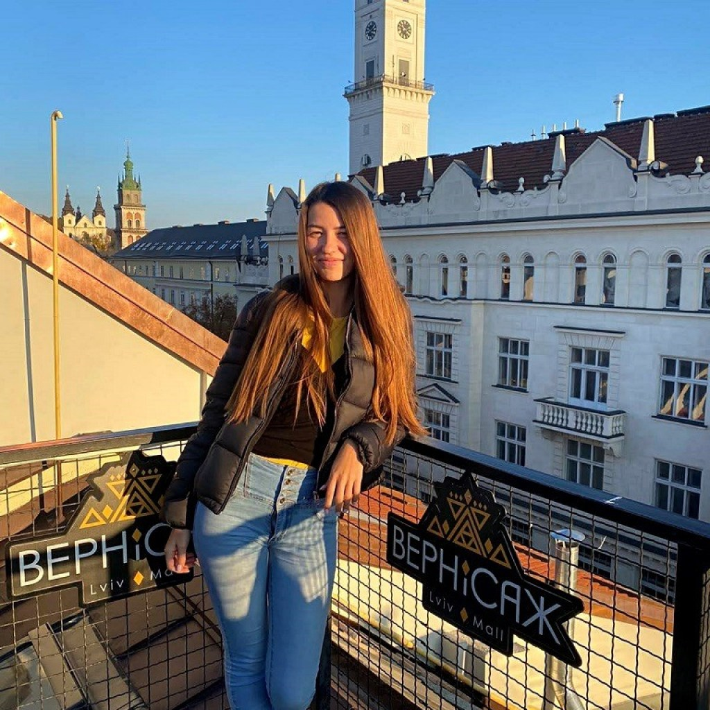 8 Places To Get The Best View Of Lviv: Vernisazh mall
