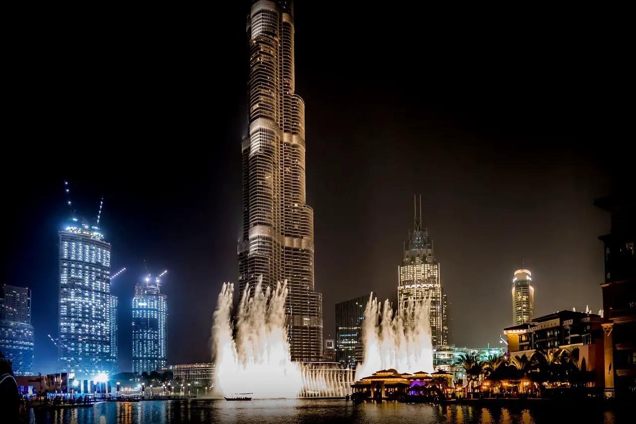 Dubai Travel Guide: Dubai Fountain Show