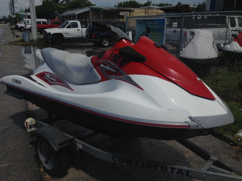 Pair 2011 Yamaha VX110 Wave Runner with Trailer $8000