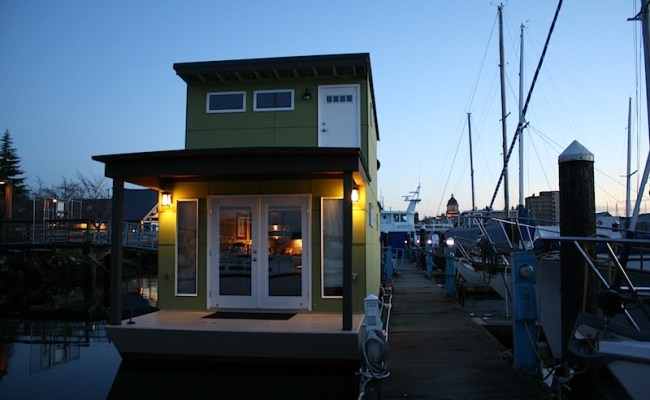 Jetson Green Sweet Pea Is A Built Green Tiny Houseboat