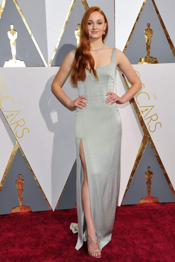Winterfell Furs High-fashion Gowns Sophie Turner