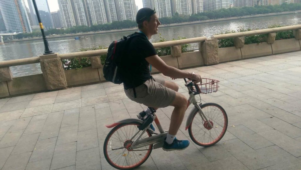 No, the seatposts on the Chinese mobike bikes don't go any higher than that