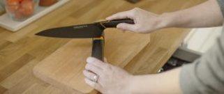 Der Messerschärfer für Messerklingfen aus Stahl