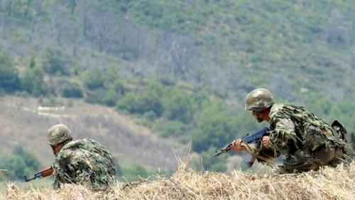 Un terroriste abattu, une arme et des munitions récupérées à Bouira