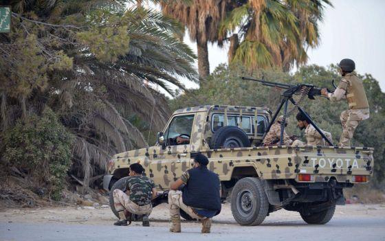 Deux gouvernements se disputent l'autorité en Libye