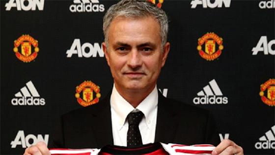 José Mourinho nouvel entraîneur de Manchester United
