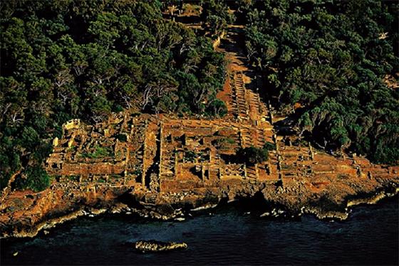 Nécessité d'une minutie dans la restauration des sites archéologiques