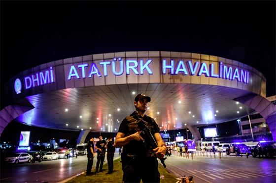 Turquie : Triple attentat-suicide à l'aéroport d'Istanbul