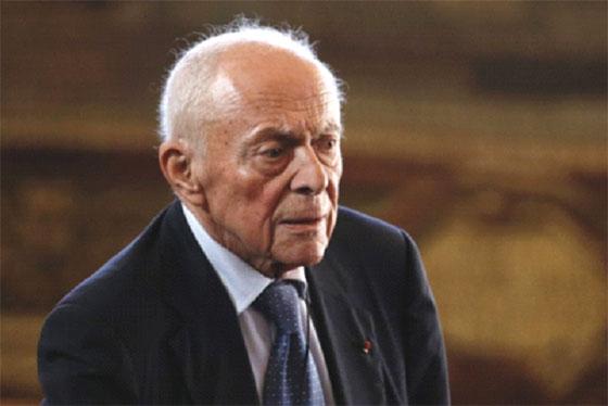Les nostalgiques de l'Algérie française se déchaînent contre lui