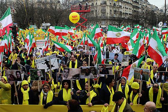 L'Iran, en colère, convoque l'ambassadeur de France
