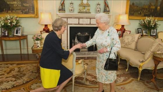 Theresa May officiellement investie Premier ministre britannique