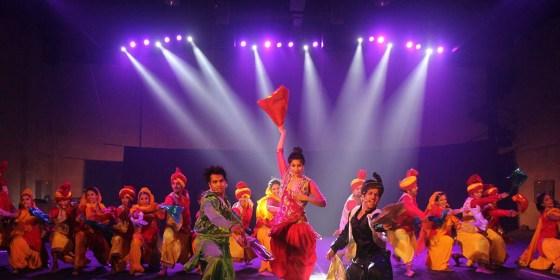 Beyond Bollywood la comédie musicale