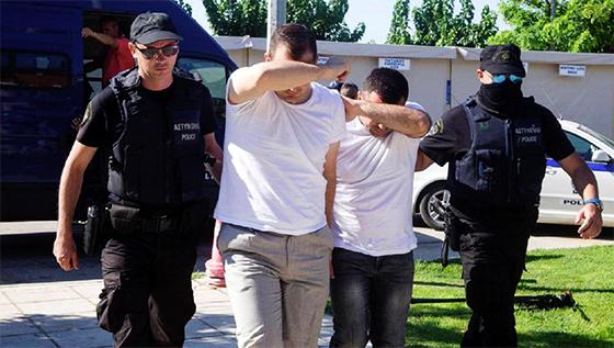 Mandat d'arrêt contre 42 journalistes turcs