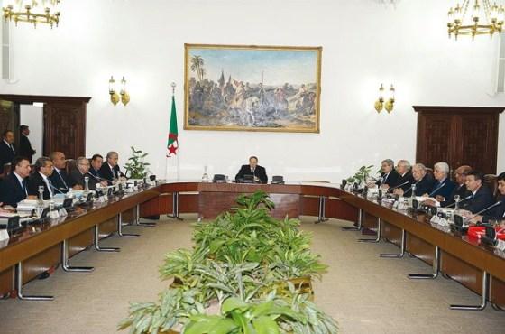 La nationalité algérienne exclusive requise