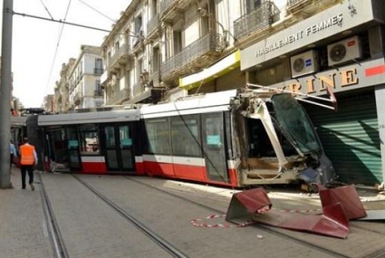 Déraillement d'une rame du tramway à Oran