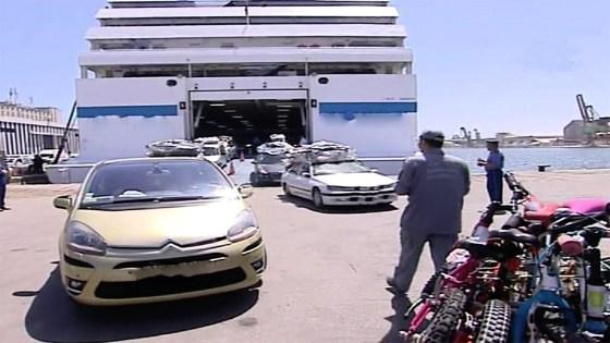 La police des frontières maritimes au port d'Alger