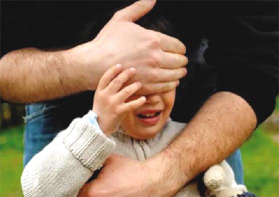 Un enfant de deux ans échappe à un rapt