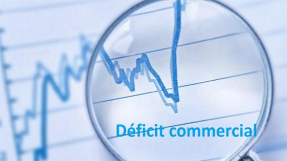 Le déficit commercial se creuse à près de 14 milliards de dollars