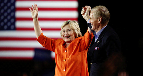 Wikileaks publie des courriels privés du directeur de campagne d'Hillary Clinton