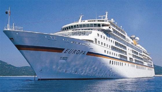 Le bateau de croisière Europa accoste au port de Skikda