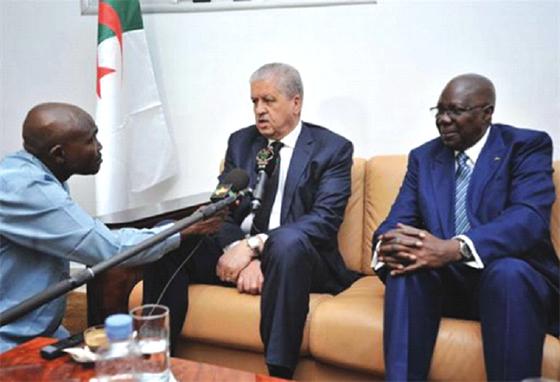 Sellal souligne la nécessité de renforcer la coopération algéro-malienne