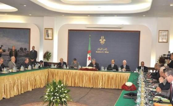 Tripartite : relancer le pacte économique et social de croissance
