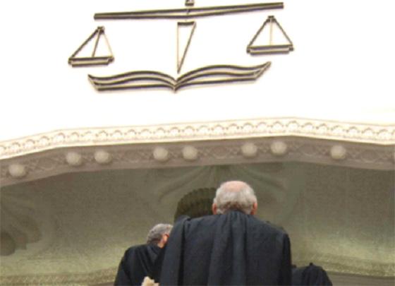 Des fonctionnaires et des élus devant la justice pour abus de fonction
