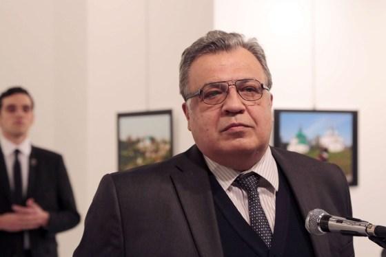 Assassinat de l'ambassadeur de Russie à Ankara (vidéo)