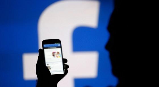 Il menaçait des mineures de publier leurs photos sur facebook