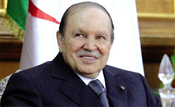 Bouteflika en appelle au nationalisme des journalistes