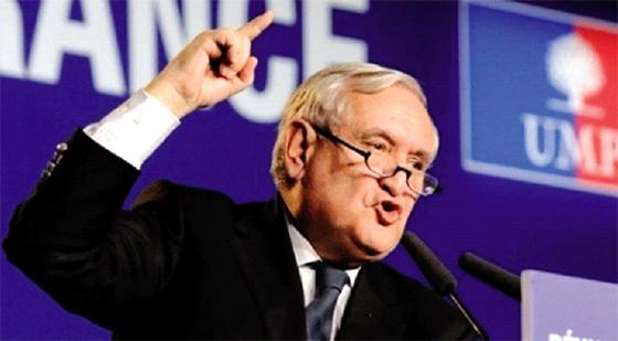 Jean-Pierre Raffarin dépêché par Emmanuel Macron
