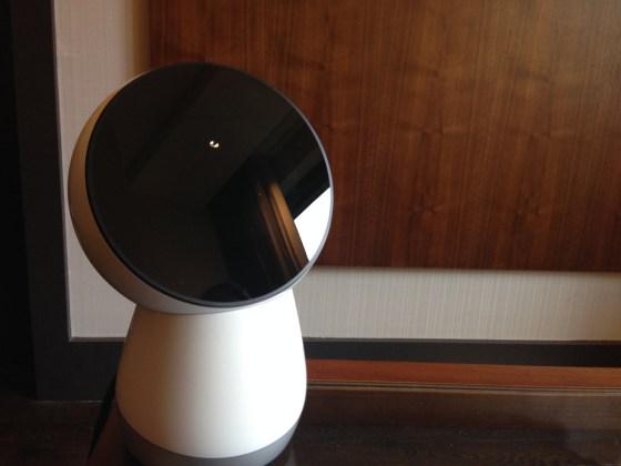 Jibo, le robot qui veut faire partie de la famille