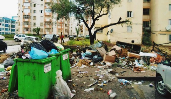 La ville d'Akbou croule sous les ordures ménagères