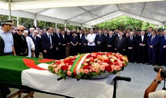 Funérailles officielles pour Rédha Malek
