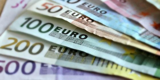 L'euro plus cher dans les banques